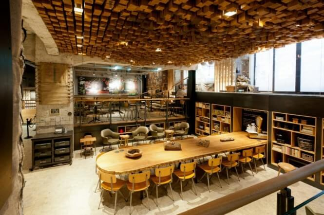 Starbucks-Concept-Store-in-Amsterdam