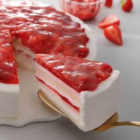 01いちごのホワイトケーキ